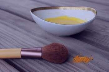 زردچوبه و شیر , خواص زردچوبه و شیر , ماسک زردچوبه و شیر , نوشیدنی زردچوبه و شیر