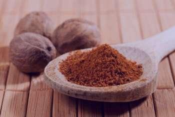 مضرات جوز هندی , خواص جوز هندی ,عوارض مصرف جوز هندی , خواص و مضرات جوز هندی