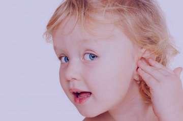 کاهش شنوایی,علت کاهش شنوایی,عوامل موثر در کاهش شنوایی