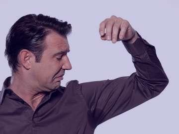 راههای از بین بردن بوی عرق بدن,راههای از بین بردن بوی بد بدن