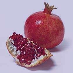 پیشگیری از سرطان با مصرف میوه های قرمز