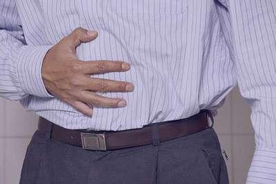 علت و درمان نفخ شکم و معده