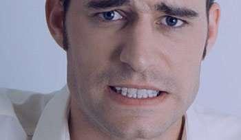 دندان قروچه, مشکلات فکی, ساییدن دندان ها