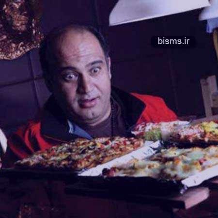 عکس جدید نادر سلیمانی در کنار خانواده اش