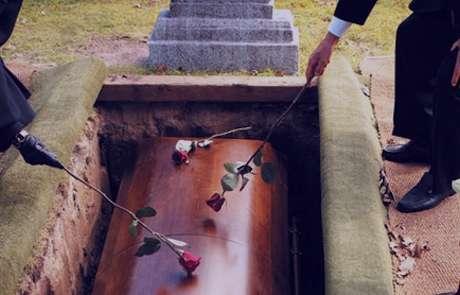 تعبیر خواب قبر , تعبیر خواب قبرستان , قبر در خواب دیدن , تعبیر خواب قبرمخروبه