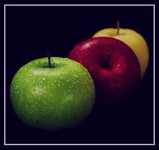 تعبیر خواب درخت سیب پر میوه , تعبیر خواب درخت سیب , تعبیر خواب سیب , سیب در خواب دیدن