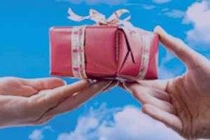 تعبیر خواب پول هدیه گرفتن , تعبیر خواب هدیه , تعبیر خواب هدیه گرفتن , هدیه در خواب دیدن