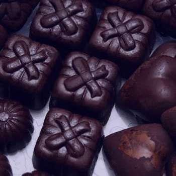 تعبیر خواب شکلات , تعبیر خواب شکلات خوردن , تعبیر خواب شکلات و آبنبات
