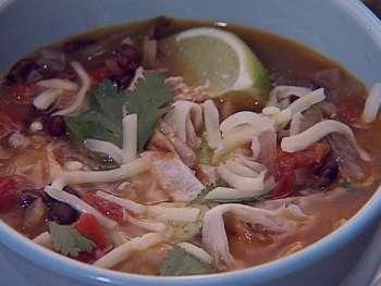 سوپ مرغ با چیپس تورتیلا , طرز تهیه سوپ مرغ با چیپس تورتیلا , روش پخت سوپ مرغ با چیپس تورتیلا
