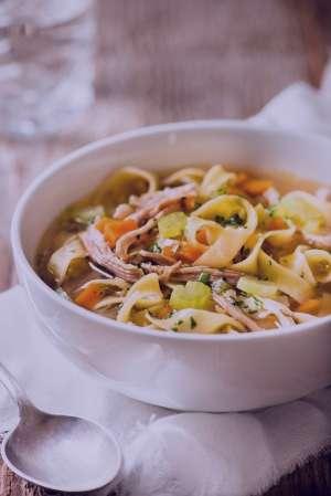 سوپ نودل و سبزیجات , طرز تهیه سوپ نودل و سبزیجات , روش پخت سوپ نودل و سبزیجات