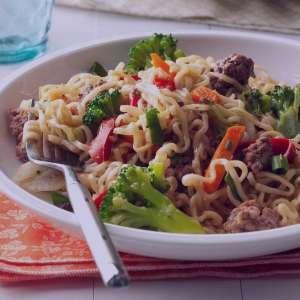 خوراک گوشت و رشته , طرز تهیه خوراک گوشت و رشته , دستور پخت خوراک گوشت و رشته