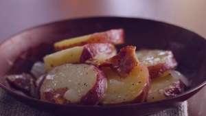 طرز تهیه سالاد گرم سیب زمینی , سالاد گرم سیب زمینی , دستور تهیه سالاد گرم سیب زمینی