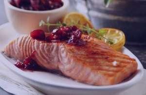 طرز تهیه ماهی آزاد با کنگر , ماهی آزاد با کنگر , ماهی آماده پخته با کنگر فرنگی