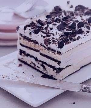 طرز تهیه کیک بستنی بیسکویتی مخصوص , کیک بستنی بیسکویتی مخصوص , روش تهیه کیک بستنی بیسکویتی مخصوص