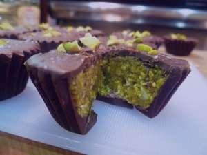 طرز تهیه شیرینی پسته ای با روکش شکلات , شیرینی پسته ای با روکش شکلات , شیرینی پسته ای
