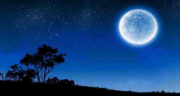 شعر در مورد ماه