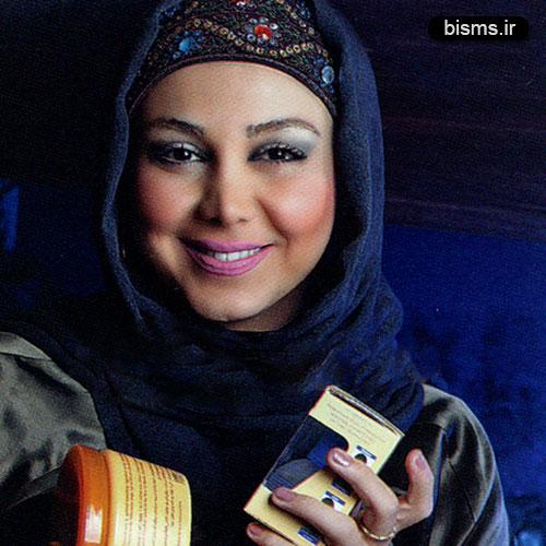 عکس بهنوش بختیاری در کنار عباس عراقچی در محله گل و بلبل