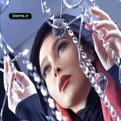 عکس جالب و دیده نشده آنا نعمتی زیر بارون