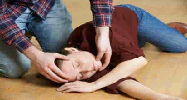 علت و درمان تشنج در کودکان و نوزادان و بزرگسالان و خواب چیست