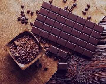 شکلات تلخ و کم خونی , شکلات تلخ کم خونی , آیا شکلات تلخ کم خونی می آورد , شکلات تلخ کم خونی میاره
