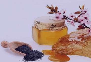 خواص عسل و سیاه دانه , خواص عسل و سیاه دانه برای مردان , خاصیت عسل و سیاه دانه , فواید عسل و سیاه دانه