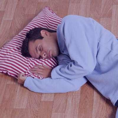 خوابیدن روی زمین