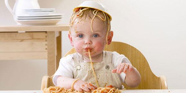 غذا خوردن کودک سه ساله , غذا خوردن کودک در چه ماهی , غذا خوردن کودک در شب , غذا خوردن نوزاد در چند ماهگی