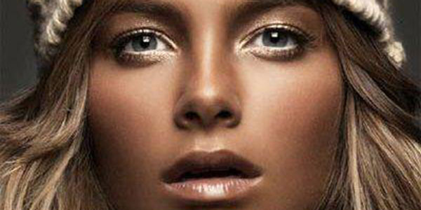 پوست برنزه , پوست برنزه یا سفید , پوست برنزه و رنگ مو , پوست برنزه بهتره یا سفید