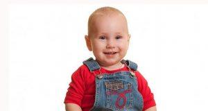 زمان و عوارض و دیر نشستن نوزاد پسر و دختر سه و چهار ماهه از چند ماهگی در کالسکه و روروک