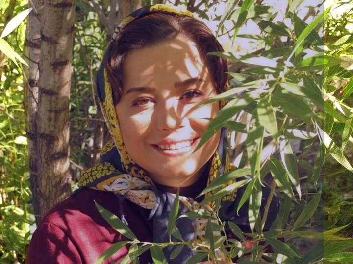 مهراوه شریفی نیا خودکشی کرد