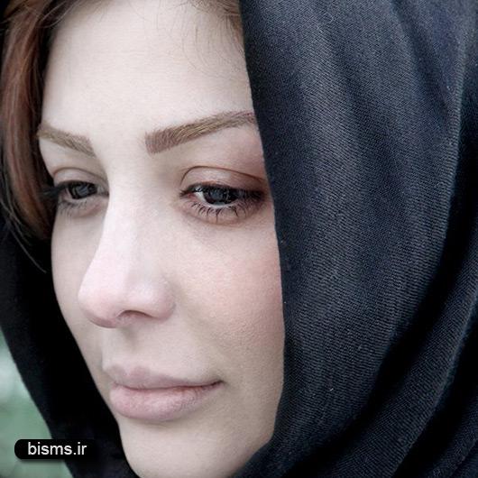 عکس نیوشا ضیغمی و همسرش در حرم امام رضا