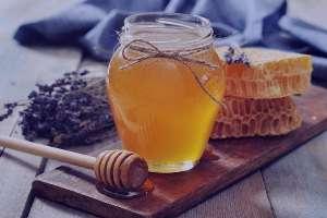 عسل، بهترین شربت سینه برای کودکان