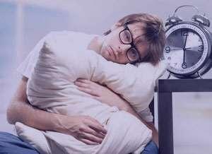 10 نشانه اینکه خواب درست ندارید