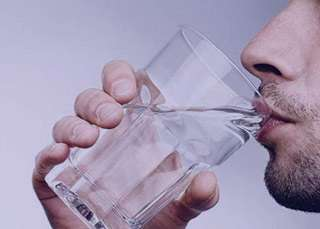 نشانه های کمبود آب بدن