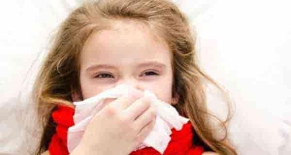 آبریزش بینی ، آبریزش بینی نوزاد ، آبریزش بینی و عطسه ، درمان آبریزش بینی