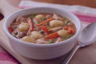 سوپ سبزیجات با پاستا