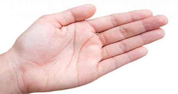 شعر دست شاملو ، شعر دست با صدای فریدون مشیری ، شعر دستهایت ، شعر دست مهربان