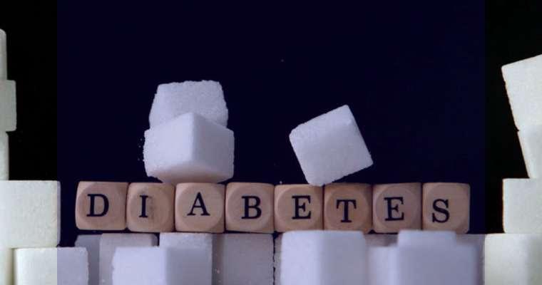 رابطه بین مصرف آلو بخارا و دیابت چیست؟آیا آلو بخارا قند خون را کنترل می کند؟