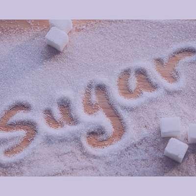 همه چیز درباره آشنایی با مضرات شکر قهوه ای و سرخ چیست