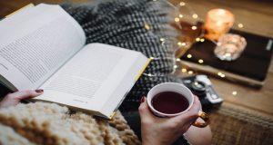 8 روش ساده برای اینکه کتاب خواندن جزئی از عادات روزمره تان شود
