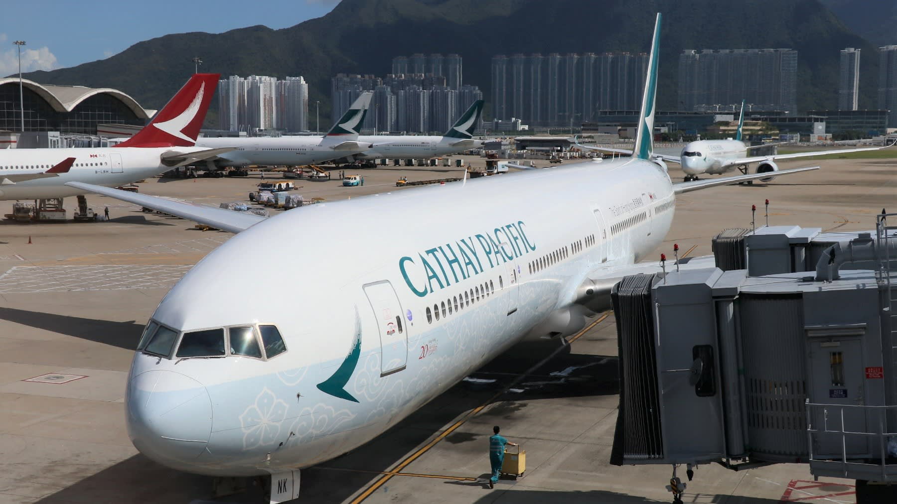 Hong Kong's Cathay Pacific: One company, two systems - Nikkei ...